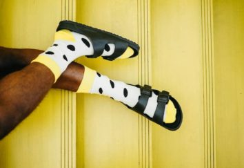 dad socks for fatherd day, get an omescape voucher